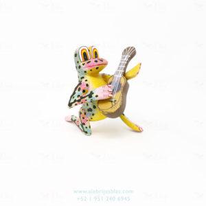 Original Oaxacan Art, Alebrije Ranita Musical Con Guitarra