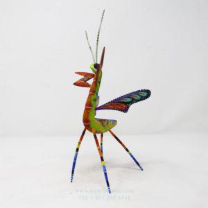 Mantis Floral VII tallada en madera por Paul Blas