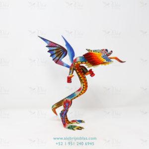 Alebrije Dragón Occidental tallado por Paul Blas