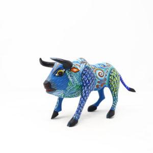 Toro Alebrije, Talla en Madera Artesanal