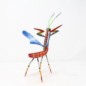 Mantis IV tallada en madera de copal por Paulino Blas