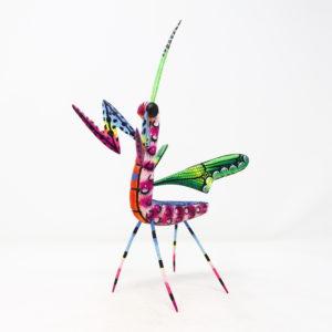 Mantis XI tallada en madera de copal por Paulino Blas
