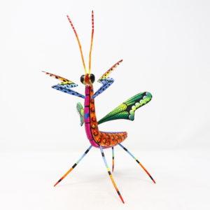 Mantis XIV tallada en madera de copal por Paulino Blas