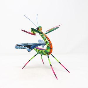 Mantis XX tallada en madera de copal por Paulino Blas