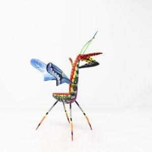 Mantis XXII tallada en madera de copal por Paulino Blas